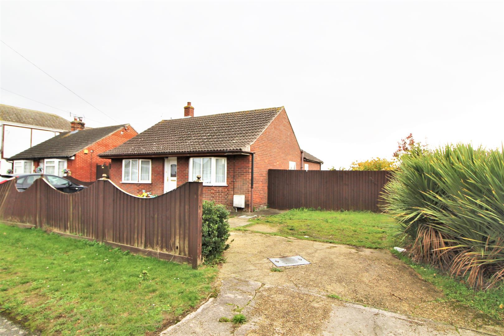 Feverills Road, Little Clacton, Essex, CO16 9LZ